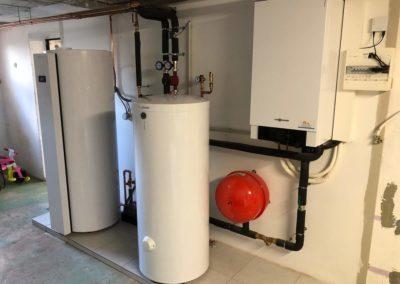 Pompe a chaleur air eau VIESSMANN VITOCAL 200-S avec préparateur d'eau chaude sanitaire thermodynamique VITOCAL 060-A à MARMOUTIER (2)
